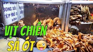Vịt chiên sả ớt GỐC HOA CHỢ LỚN ăn vặt vỉa hè với Lý HươngTV |  Guide Saigon Food