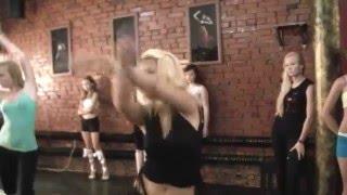 Открытый урок в школе go go танца