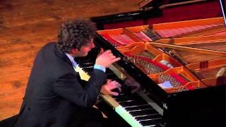 Giuseppe Albanese plays Debussy - Estampes: Jardins sous la pluie