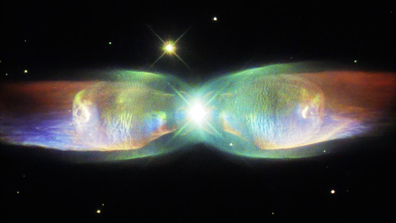 Twin Jet Nebula - wings of a butterfly in new Hubble image ...