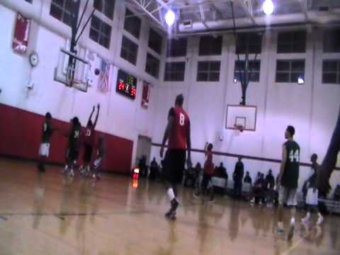 PRO AM BASKETBALL AT HOMAN SQUARE IN CHICAGO 11 08 2011