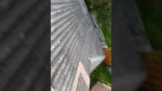 Модернизациия 1 Часть старой крыши мод металлочерепицу RUUKKI(Заказчик купил старенький но крепкий дом) В первую очередь решил обновить крышу. Обратившись к нам за услуг..., 2017-02-12T19:49:38.000Z)