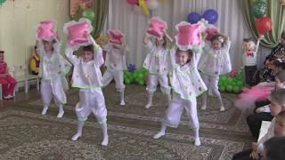 Выпускной в детском саду Танец с подушками