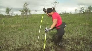 Se Charlotte Kallas BRUTALA löpträning över myrarna