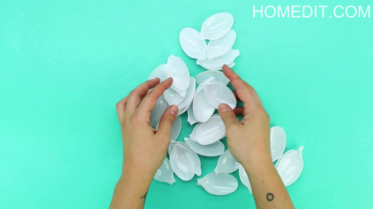 How To Make A Decorative Mirror With Plastic Spoons Youtube