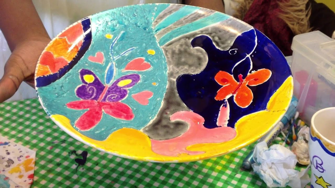 Fun kids holiday arts and craft activities ceramic plate painting in IKEA. - YouTube & Fun kids holiday arts and craft activities ceramic plate painting ...