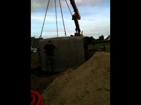 Mise en place d 39 une cuve de r cup ration d 39 eau de pluie youtube - Cuve recuperation d eau de pluie ...
