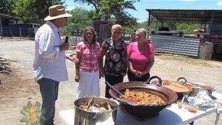 Reportajes de Alvarado - Cabrito en salsa y a la tina volteada, Pesquería, N.L.