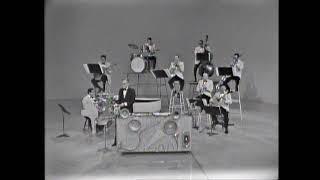 Spike Jones & His City Slickers perform in 1964