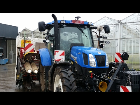 New Holland tractor uses Tyro remote controles