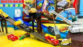 DISNEY CARS MEGA TRACK Carros de Carrera para niños  Pista de Coches
