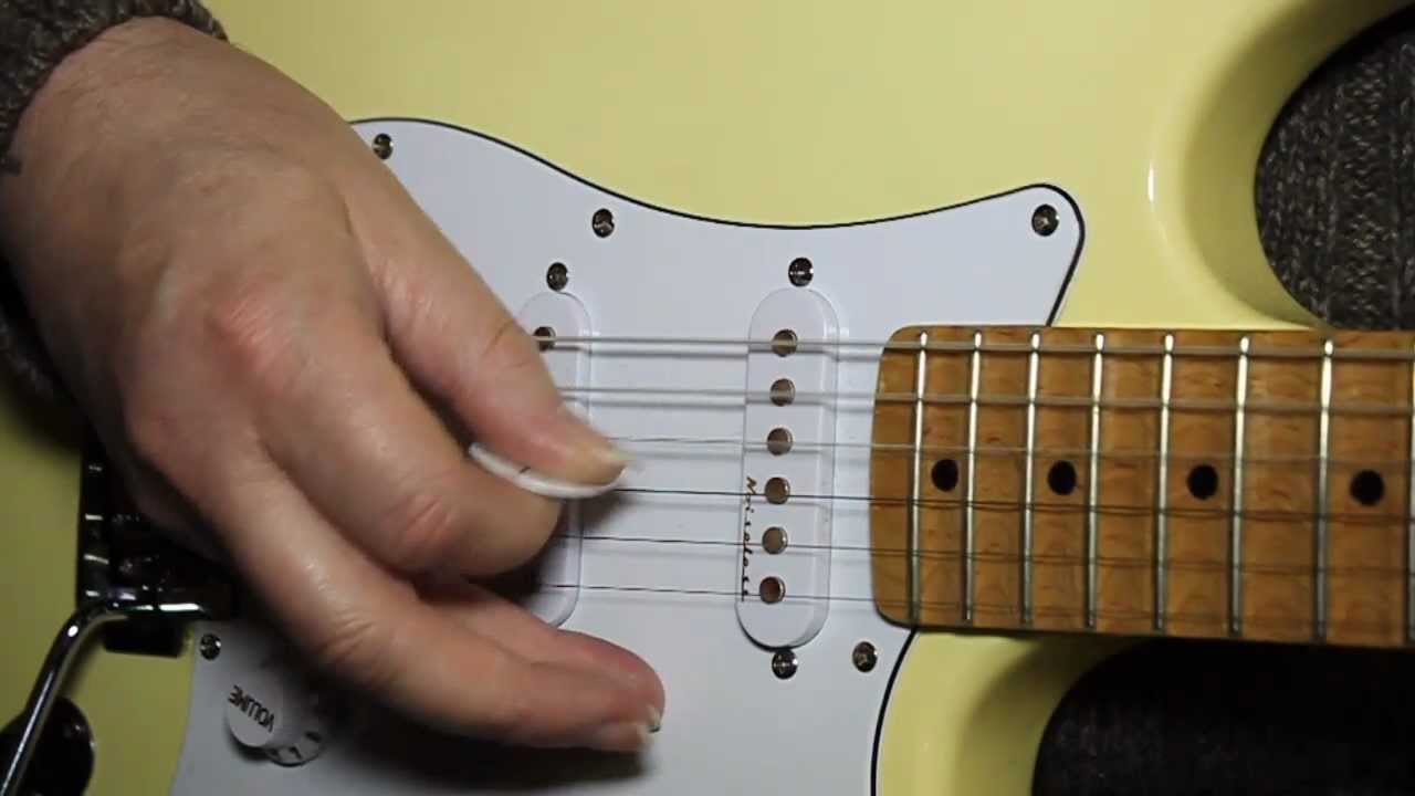How To Tune A Guitar Beginners Lesson To Tune Your Guitar Youtube