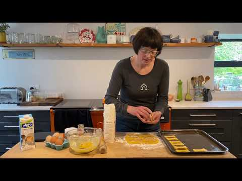 how-to-make-easy-tasty-biscuits-for-your-dog-|-doghouse-recipes