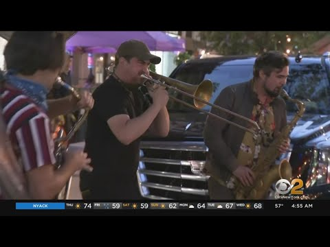 Musicians Bringing New Sound To NYC Streets With Pop-Up Performances