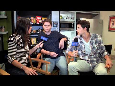 Matt Shively & Robbie Amell  True Jackson, VP 'Mystery in Peru'