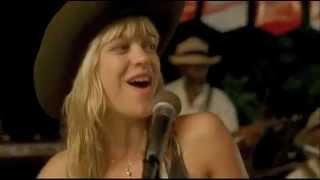 Heike Makatsch singing
