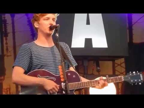 George Ezra - Listen To The Man (Live)