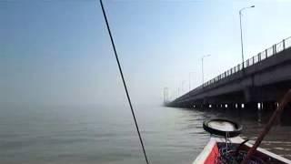 Penampakan Hantu Terlihat Jelas Dibawah Jembatan Suramadu Surabaya