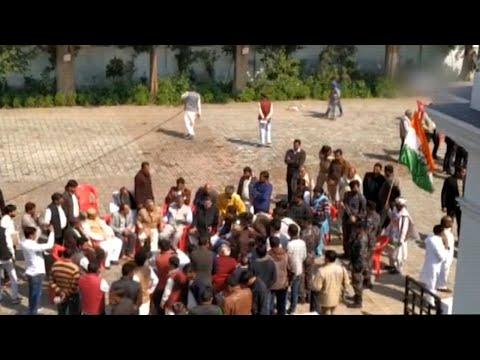 Congress in Lucknow prepare for Priyanka Gandhi's visit