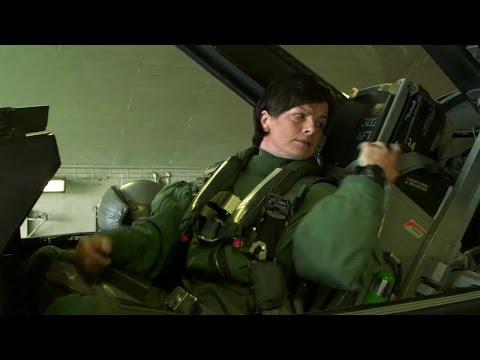 Norway's Only Female F-16 Pilot Maj. Marianne Mjelde Knutsen (Norges eneste kvinnelige jagerpilot)