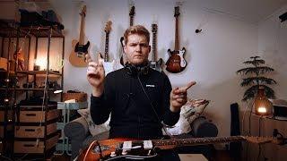 1 Idiot, 9 Guitars.