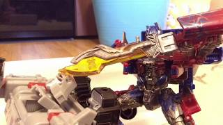 Transformers: Dark Of The Moon | Optimus Prime vs Sentinel Prime And Megatron (StopMotion v3.0)