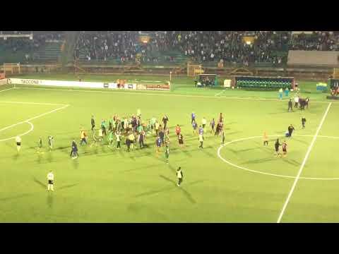 Cronachedellacampania.it- Rissa a fine derby tra calciatori di Avellino e Salernitana