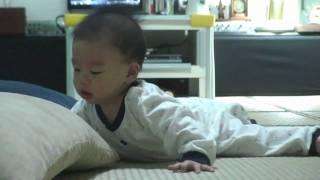 小噹的爬行大戰(Youtube).wmv thumbnail