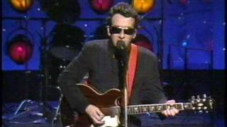 Elvis Costello - Peace in Our Time (Tonight Show 1984)