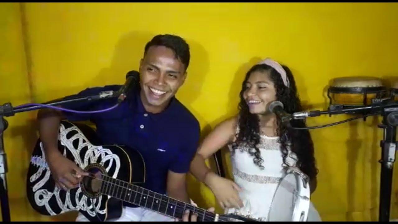 Sorriso Maroto - Brigas Por Nada / Banda Família Cancioneira ( Cover )