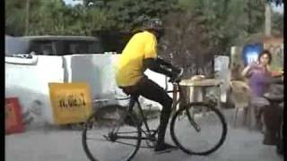 Dude Pulls Off Some Wild Shit On His Bike