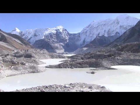 مخاوف من خطر طوفان على سكان النيبال وبحيرات إيفرست  - نشر قبل 5 ساعة