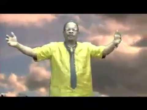 Pasteur Luc Russell ADJAHO devenu IBO BOY, sort un clip qui fait le buzz au Togo [Dzra dokuiwodo]