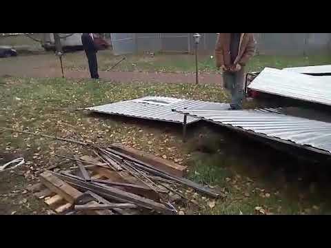 На Юбилейном проспекте в Химках пытаются поставить палатку на придомовой территории