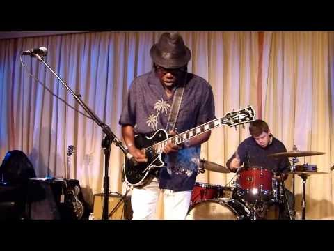 Joe Louis Walker  Live at the Bull Run - I'm Not Messin' Around -0913