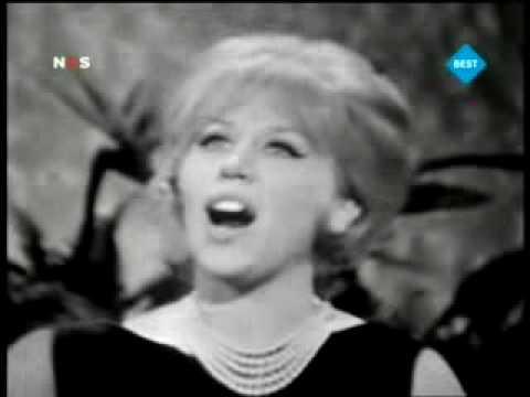 Betty Curtis - Al di là (1961)