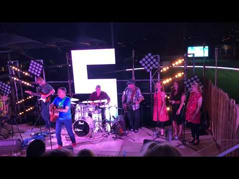 Newspaper Mama by Peter Combe @ Live on 5 - Adelaide Fringe 2017