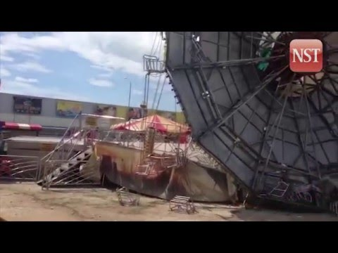 Swing ride collapses at temple fair in NW China | Doovi