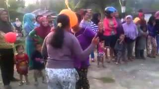 Ibu Ibu Vs Gadis Lomba Joget Balon 5