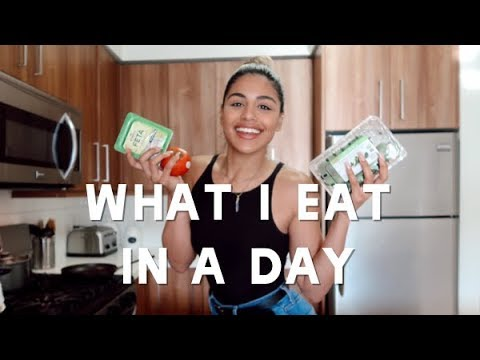 WHAT I EAT IN A DAY TO STAY SLIM | Gabriela Bandy