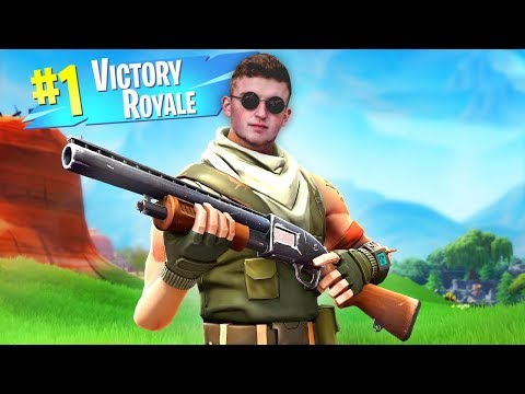 Getting The EPIC VICTORY ROYALE In Fortnite (LIVE)