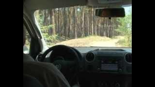 Тест-драйв Volkswagen Amarok по бездорожью(Тест-драйв Volkswagen Amarok по бездорожью от Атлант-М. Полный привод Volkswagen Amarok позволяет ему без особого труда..., 2012-10-09T10:51:37.000Z)
