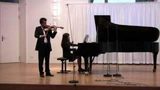 Leonidha Qose plays N. Paganini MOSE-FANTASIA Variations on G String