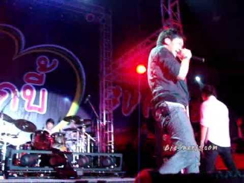 Bie @ The Mall Korat [5/6] Someone & I need somebody [Live]