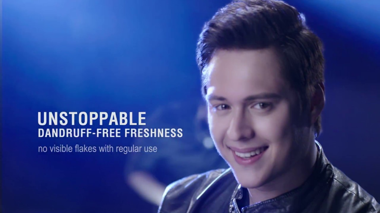 See how Enrique gets Unstoppable Dandruff-Free Freshness with Clear Cool Sport Menthol!