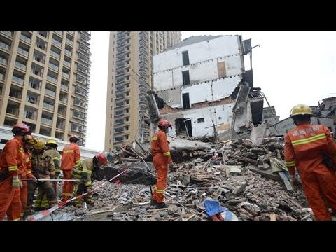 Building Collapse Kills At Least 22 in Eastern China