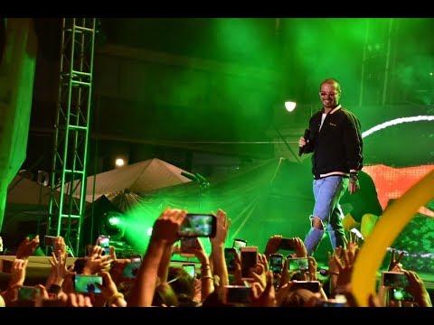 El embajador del reggaetón J Balvin, paraliza el Festival de la Cantera