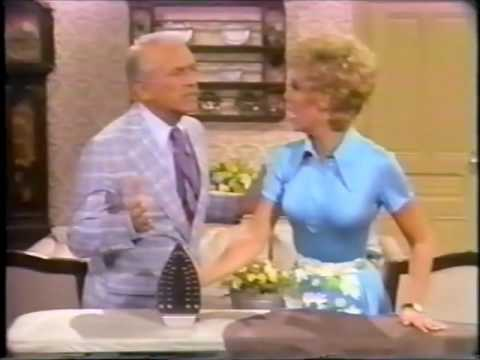 The joys of being a housewife, with Suzanne Pleshette, Mitzi Gaynor and Ted Knight.