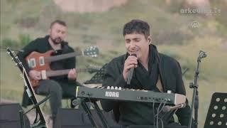 Evde bayram konserleri: Ferman Akgül ve Ethnic Band Kapadokya'da Resimi