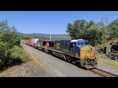 LOTS OF TRAINS AND BEAUTIFUL SCENERY!! CSX Puts on a Good Show on a Warm Fall Day!!